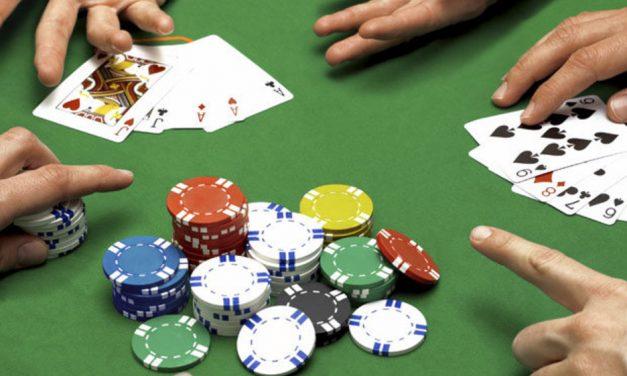 Покер через мобильный телефон: стоит ли игра свеч и где найти геймплей?